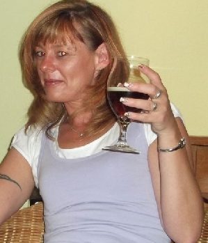 Geile Maus (w/40) aus Halle sucht Sex Affäre